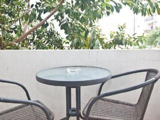 Lovely apartment - very central & close to beach