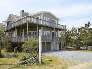 Roomy 7-bedroom, 4.5 bath home, close to ocean, Bethany Beach