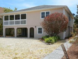 Located only 1/2 block to the private beach!, Cedar Neck
