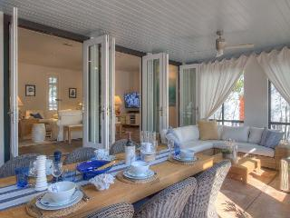 HGTV Cottage - Large Private Loggia in Rosemary Beach!!