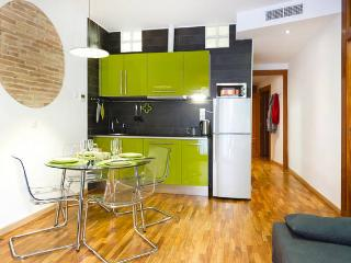 Plaza Catalunya: Design APARTMENT for 4-6 people