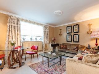 Luxury 2-bed flat in Knightsbridge, London