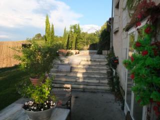 Stay in lovely house in rural France, Verteillac