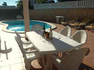 Casa Eliza, Luxury 4 bedroom villa with heatable pool, aircon and games room