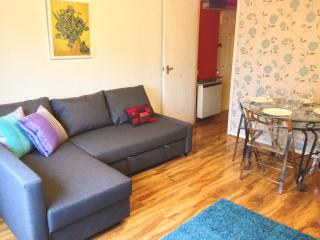Holiday Flat One Stop From London Bridge
