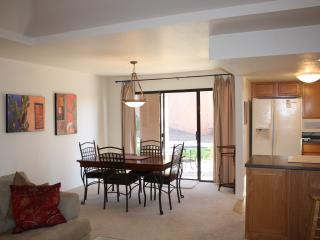 Great Condo for Rent in Tucson Foothills! (MINIMUM 30 DAY STAY)
