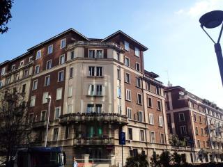 GaeAulentiApt: City Centre Elegance