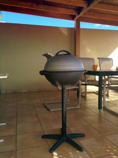 Grill out on our private terrace with our electric George Foreman grill.