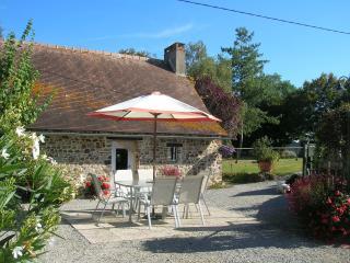 La Bonne Marie, detached stone cottage, Thorigne-en-Charnie