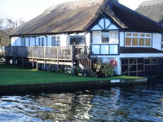 Riverside Norfolk Cottage