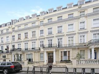 Lovely 1 bedroom Notting Hill Gate Apartment, London