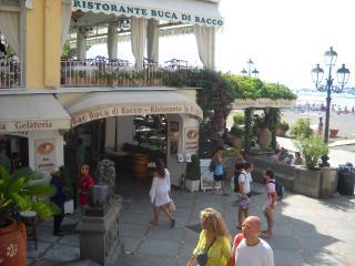 Villa Costanzo Beach Front (10yards)