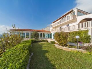 Villa &garden