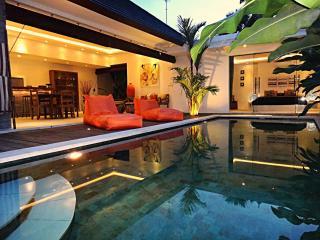 Villa Astaga -Brand new - modern and luxurious, Seminyak