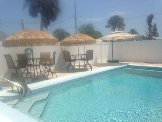 New Smyrna Beach House with pool !!