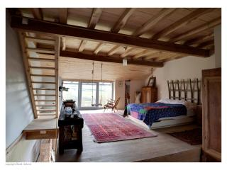 Spacious Country house in Medieval Village, Mont-Saint-Jean