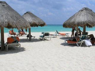Best Location In Playa-Steps to 5th Ave & Mamitas, Playa del Carmen
