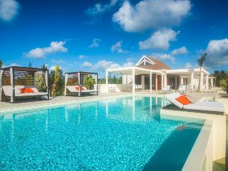 TURTLE NEST... step down to the soft white sand of Baie Longue beach from this contemporary villa... Aahhh..., St. Maarten-St. Martin