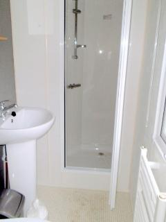 Shower room with hand wash basin/toilet plus full power shower