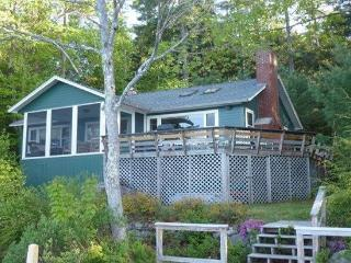 Charning Winnipesaukee Cottage With 150 Shorefront, Moultonborough