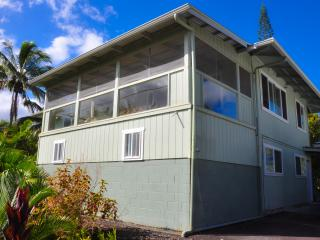 Ocean View Private Pool & Jacuzzi 4BR 3Ba /15 miles north of active lava flow