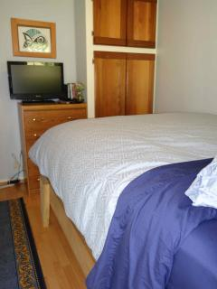 Cassiar Cannery - Coho House (1BR) extremely comfortable bed
