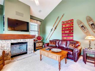 Economically Priced Breckenridge 3 Bedroom Free shuttle to lift - MJ27