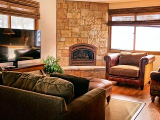 Beautifully Appointed  3 Bedroom  - 1243-82175, Breckenridge