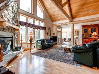 Comfortably Furnished  4 Bedroom  - **********, Breckenridge