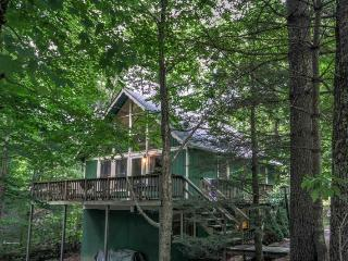 4BR on Beech Mountain, Sleeps 8, Fireplace, Close to Ski Slopes, Club