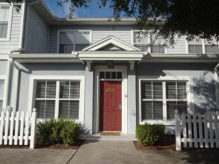 Beautiful townhouse near Disney World 3BR 2BA