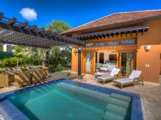 Tropical 3 bedroom villa in Green Village, Punta Cana