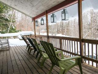Large, dog-friendly home w/ private hot tub - perfect for retreats or reunions, Killington