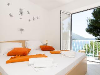 Guest House Daniela - Double Room with Balcony and Sea View-2, Mlini
