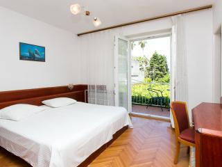 Guest House Zec - Double or Twin Room with Balcony and Sea View