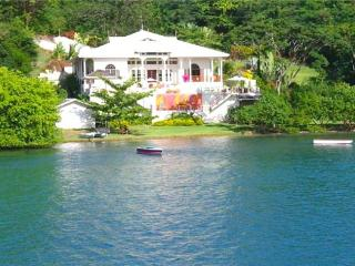 Waterfront Apartment - Grenada, Südküste