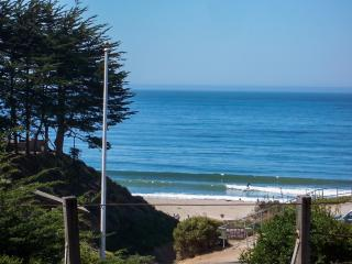 Almost Ocean Front, Hot Tub, Sand & Whitewater View, Santa Cruz