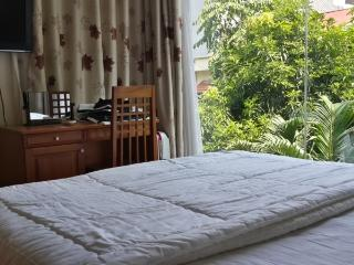 Serviced apartment close to Lotte shopping center, Hanói