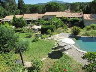 Apartment Superior 3* for 2 in villa at Grimaud