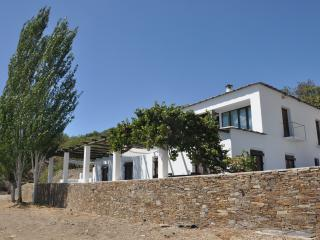 Stunning Architectural Villa with fabulous views in Las Alpujarras.