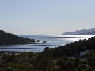Salinas - Great views, great location, pool, 8 guests very close to the beach
