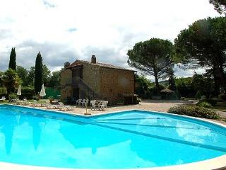 Detached villa with private pool and fenced garden, Porano