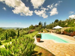 Ca de Muito, a peaceful Tuscan cottage with breathtaking views and a private outdoor pool, Cortona