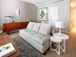 Mondrian Apartment by FeelFree Rentals, Donostia-San Sebastián