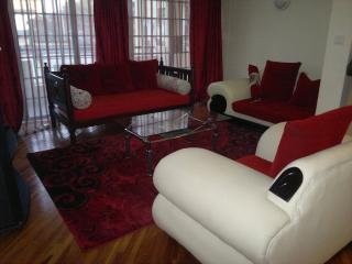 2/3 bed fully furnished apartmt- Nairobi Kilimani, Nairóbi