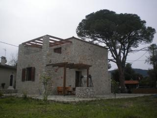 PYRGOS, LUXURY COUNTRY HOME, Ialyssos