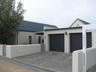 SOMERSET WEST SELFCATERING