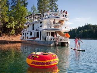 Jones Valley Resort Houseboat Rentals Shasta Lake, Redding