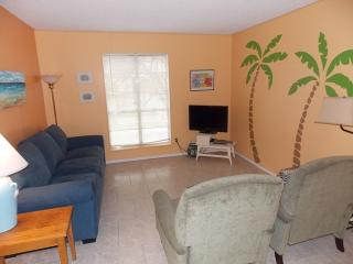 Sunset Isle - recently updated 2 bedroom condo, Port Aransas