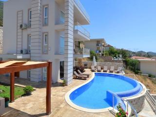 Holiday Villa in Kalkan Kiziltas, sleeps 10